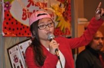 charice-5-10-09-backwards-cap-mic