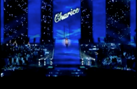charice-signature-on-stage-italy