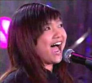 charice-singing-at-mic