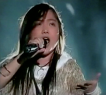 charoce-italy-singing-listen