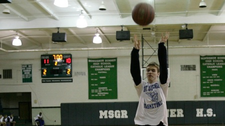 matt-steven-shooting-free-throws-gym