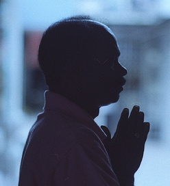 asian-man-praying