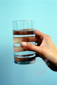 hand-holding-a-glass-of-water