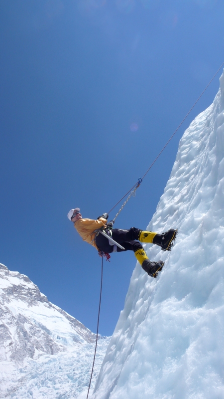 lori-schneider-climbing-icy-wall-on-everest