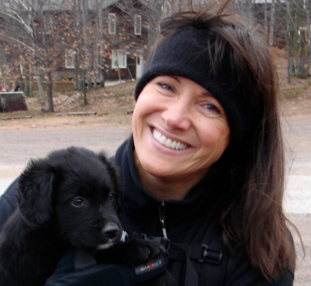 lori-schneider-with-puppy
