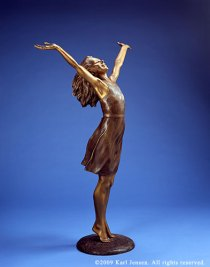 joy-bronze-statue-woman