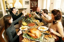 family-thanksgiving-table