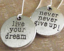 medals-live-your-dream-never-give-up